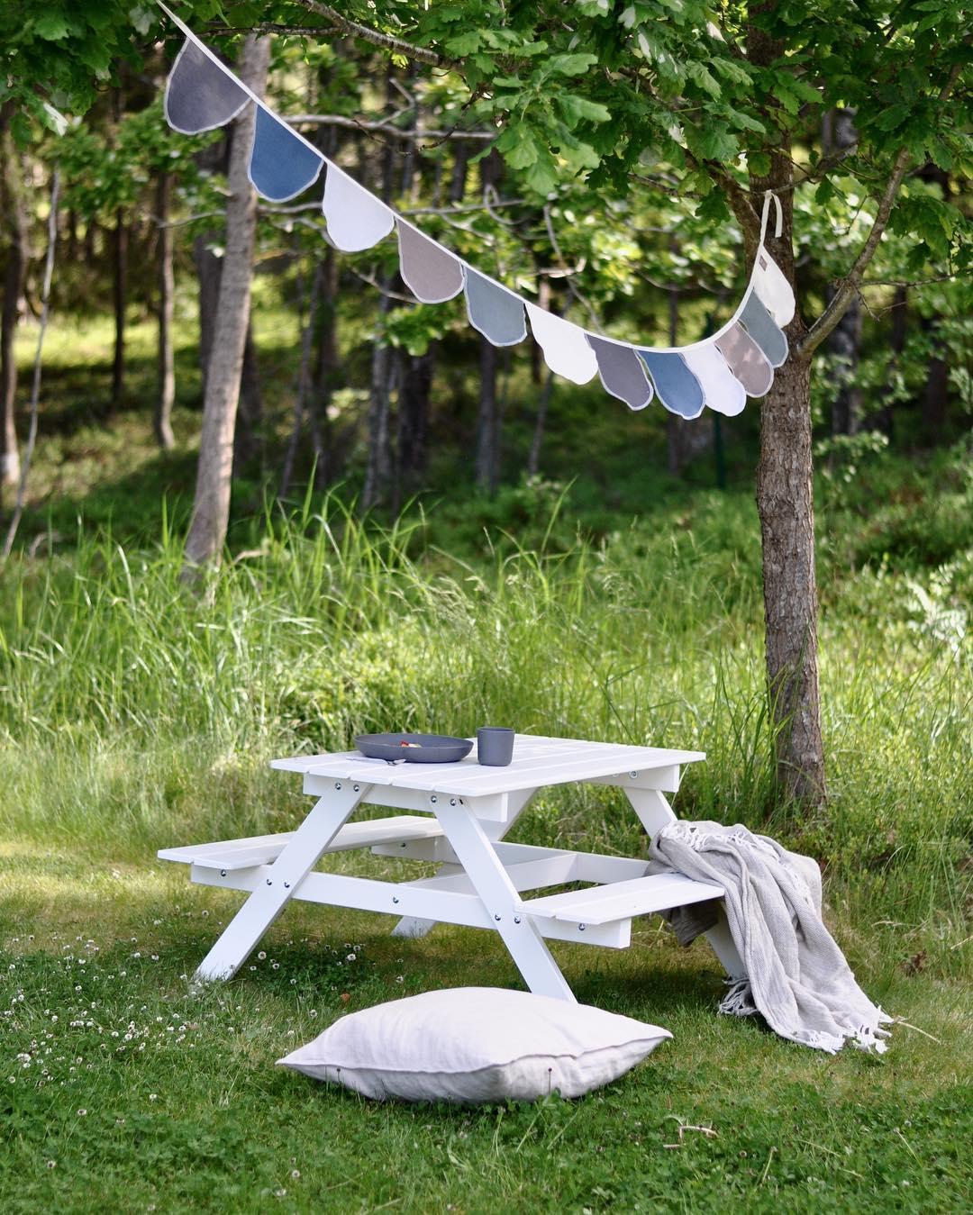 Lata dagar och picknick i trdgrden!  I samarbete medhellip
